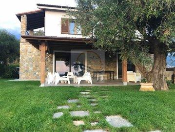 a-villa-in-vendita-a-vallebona-2