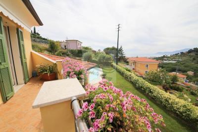 a-villa-con-piscina-vendita-bordighera-6