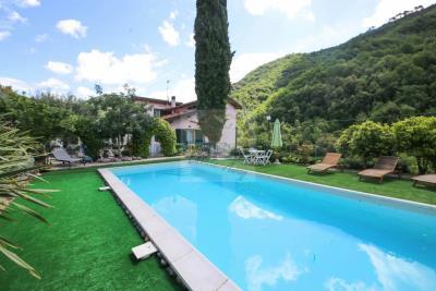 a-villa-con-piscina-vendita-a-isolabona-1