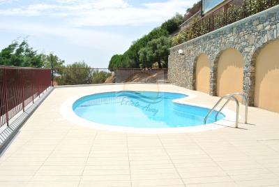 a-appartamento-con-giardino-e-piscina-vendita-vallecrosia-2