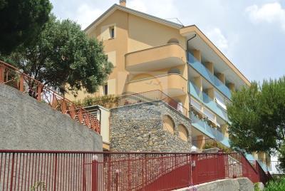 a-appartamento-con-giardino-e-piscina-vendita-vallecrosia-3