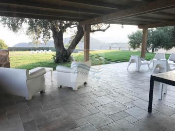 a-villa-in-vendita-a-vallebona-1
