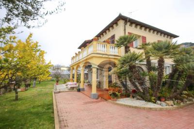 a-villa-semindipendente-vendita-bordighera-1