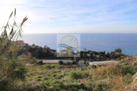 Image No.4-3 Bed Land for sale