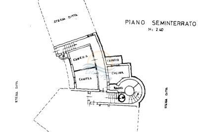 villa-con-parco-vendita-bordighera-31