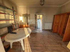 Image No.10-1 Bed Country House for sale