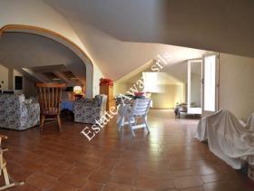 Image No.11-9 Bed Villa for sale