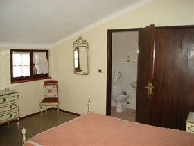 Image No.9-7 Bed House for sale