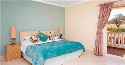 Image 13 of 24 : 5 Bedroom Villa Ref: GV563