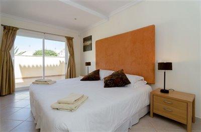 Image 19 of 24 : 5 Bedroom Villa Ref: GV563