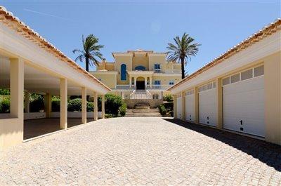 Image 23 of 24 : 5 Bedroom Villa Ref: GV563