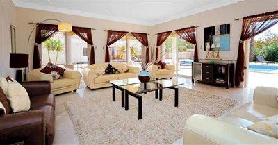 Image 4 of 24 : 5 Bedroom Villa Ref: GV563
