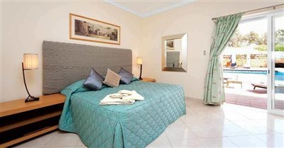 Image 5 of 24 : 5 Bedroom Villa Ref: GV563