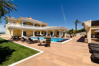 Image 9 of 24 : 5 Bedroom Villa Ref: GV563