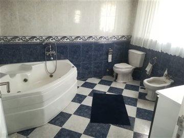 Image 12 of 27 : 3 Bedroom Villa Ref: AV2046