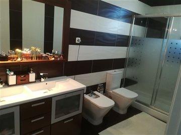 Image 17 of 27 : 3 Bedroom Villa Ref: AV2046