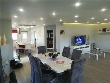 Image 4 of 27 : 3 Bedroom Villa Ref: AV2046