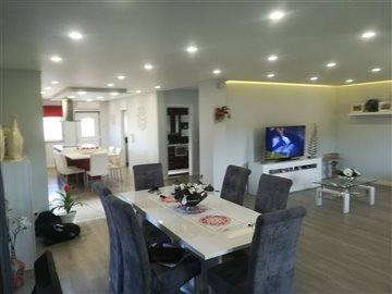 Image 2 of 27 : 3 Bedroom Villa Ref: AV2046