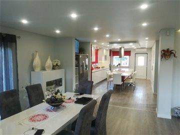Image 5 of 29 : 3 Bedroom Villa Ref: AV2046