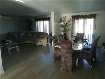 Image 9 of 27 : 3 Bedroom Villa Ref: AV2046