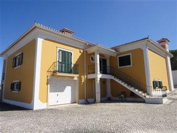 Image 1 of 27 : 4 Bedroom Villa Ref: AV2066