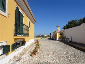 Image 12 of 27 : 4 Bedroom Villa Ref: AV2066