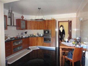 Image 14 of 27 : 4 Bedroom Villa Ref: AV2066