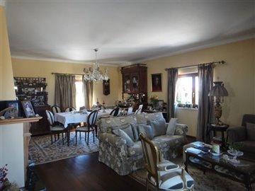 Image 15 of 27 : 4 Bedroom Villa Ref: AV2066