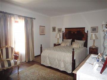 Image 18 of 27 : 4 Bedroom Villa Ref: AV2066