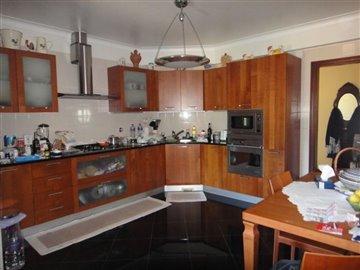 Image 2 of 27 : 4 Bedroom Villa Ref: AV2066