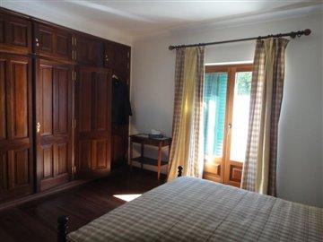 Image 20 of 27 : 4 Bedroom Villa Ref: AV2066