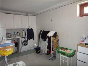 Image 24 of 27 : 4 Bedroom Villa Ref: AV2066