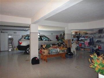 Image 26 of 27 : 4 Bedroom Villa Ref: AV2066