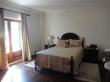Image 3 of 27 : 4 Bedroom Villa Ref: AV2066