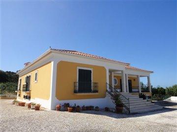 Image 5 of 27 : 4 Bedroom Villa Ref: AV2066