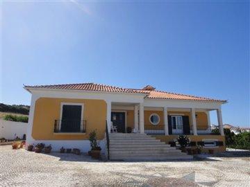 Image 8 of 27 : 4 Bedroom Villa Ref: AV2066