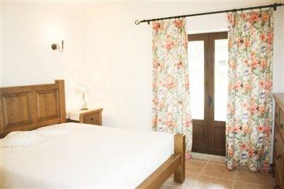 Image 14 of 29 : 4 Bedroom Villa Ref: AV2092