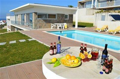 Image 1 of 36 : 3 Bedroom Villa Ref: AV2101