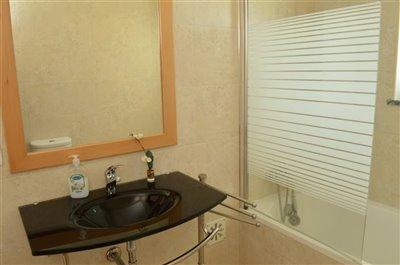 Image 31 of 36 : 3 Bedroom Villa Ref: AV2101