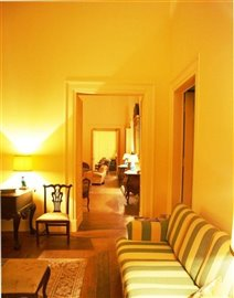 Image 28 of 33 : 20 Bedroom House Ref: ASV005