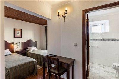 Image 40 of 54 : 12 Bedroom House Ref: ASV163