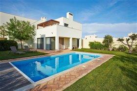 Image No.0-Villa de 2 chambres à vendre à Vila do Bispo