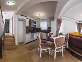 Image No.22-Villa / Détaché de 4 chambres à vendre à Ovacik