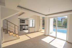Image No.20-Villa / Détaché de 4 chambres à vendre à Ovacik