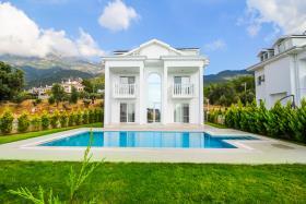 Image No.5-Villa / Détaché de 4 chambres à vendre à Ovacik