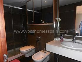 Image No.7-4 Bed Property for sale