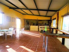 Image No.7-3 Bed Commercial for sale