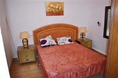 vh1896-village-town-house-for-sale-in-almendr