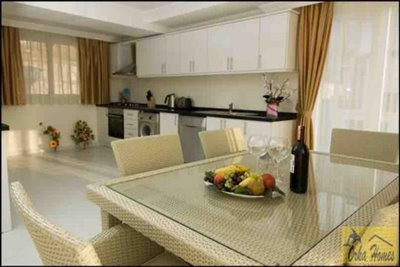 10 Golden Heights Villa