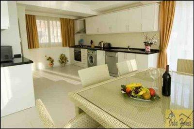 8 Golden Heights Villa
